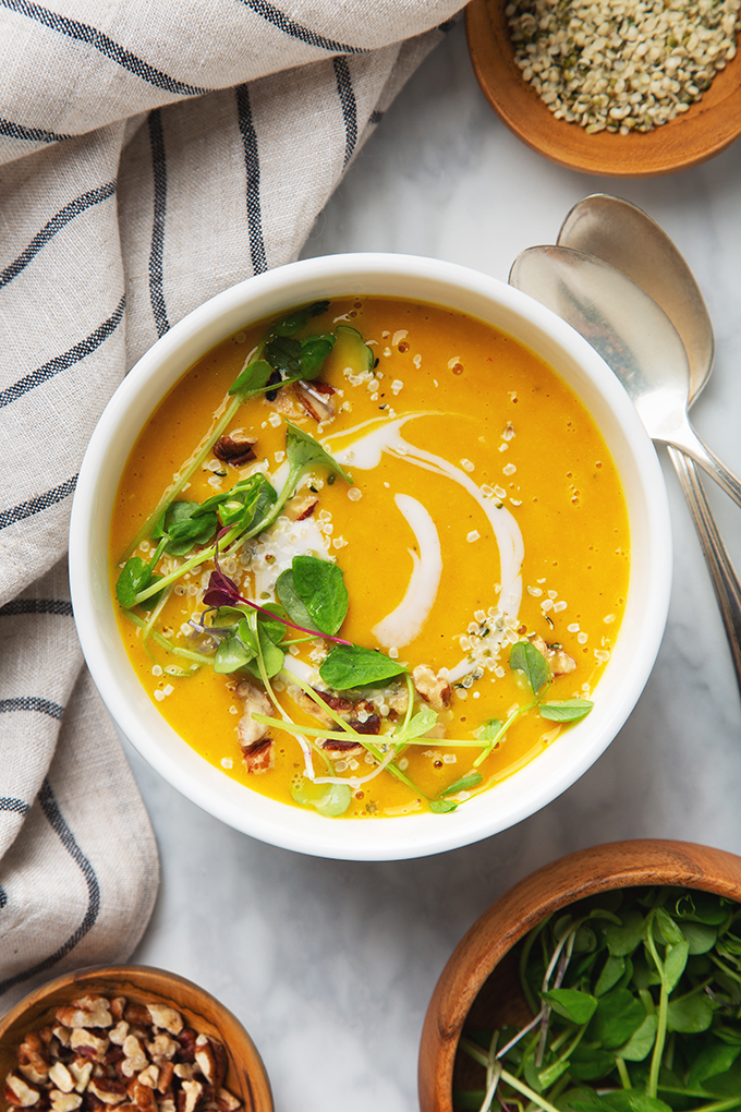 Curried Butternut Squash Soup #butternutsquashsoup Curried Butternut Squash Soup Recipe (Vegan & Gluten-Free!) #butternutsquashsoup