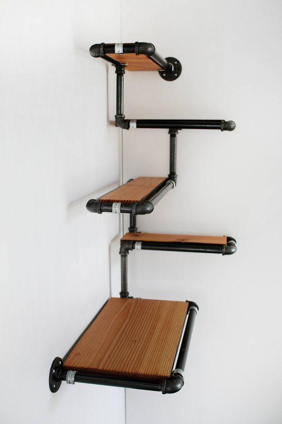 Pijp muur plank met teruggewonnen hout, aangepaste Pipe planken. Gemaakt om de hoek plat, geregenereerde Fir en zwarte ijzeren pijp, efficiënte ruimte