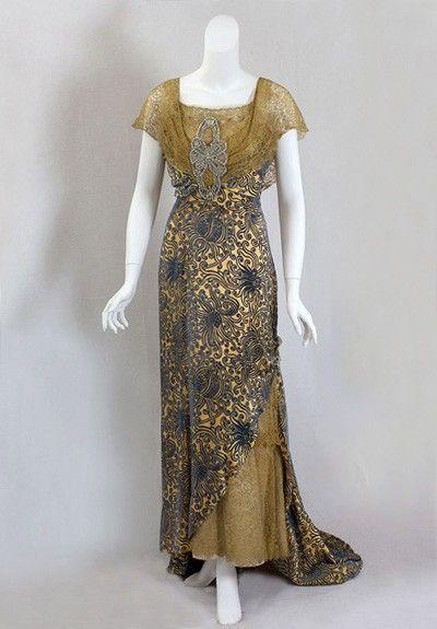 Velvet evening dress, circa 1910   History   Pinterest   Vintage ... 210396db9272