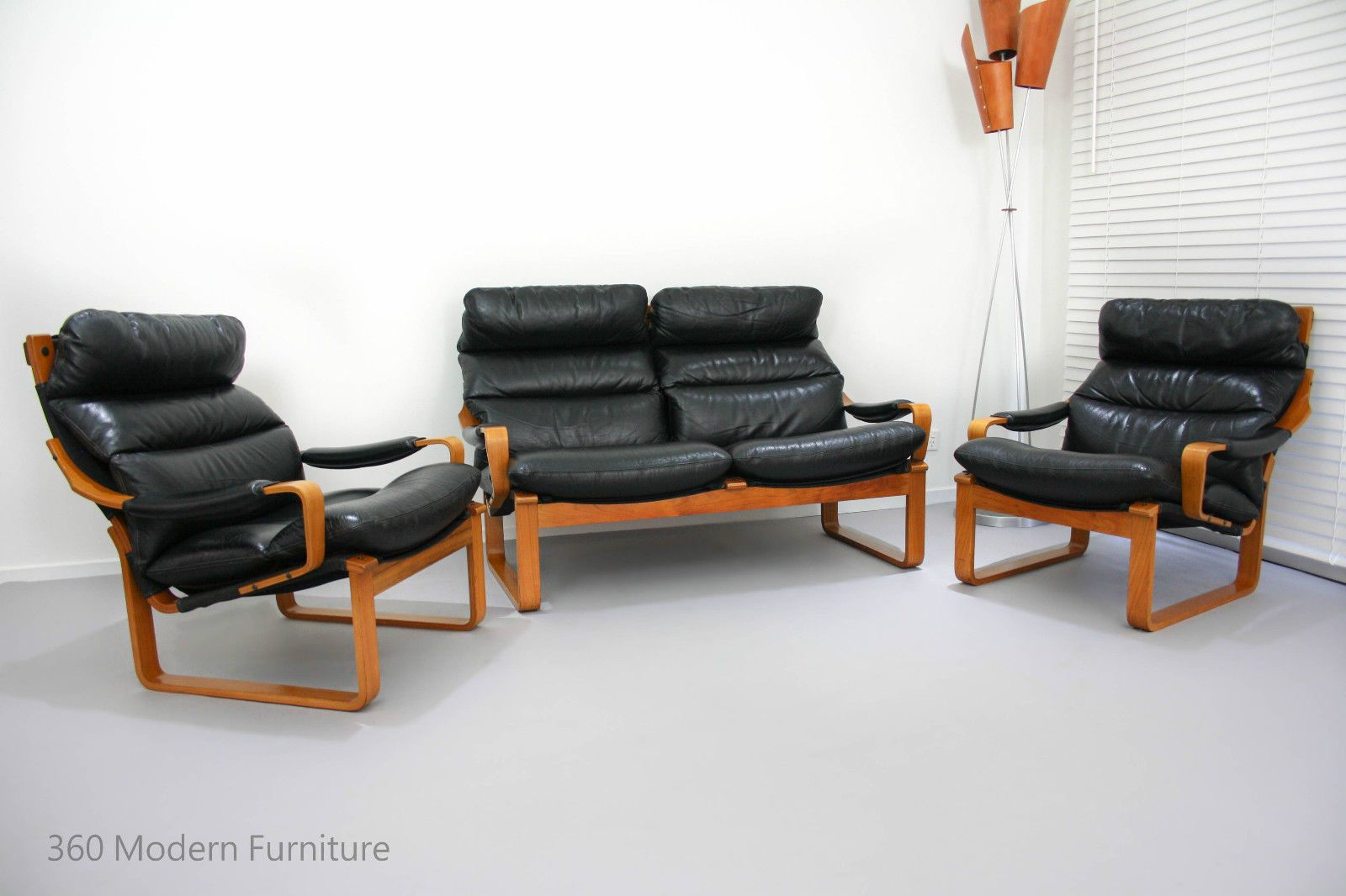 Tessa t8 leather 2 seater 2 armchairs retro vintage lounge suite sofa 3 piece