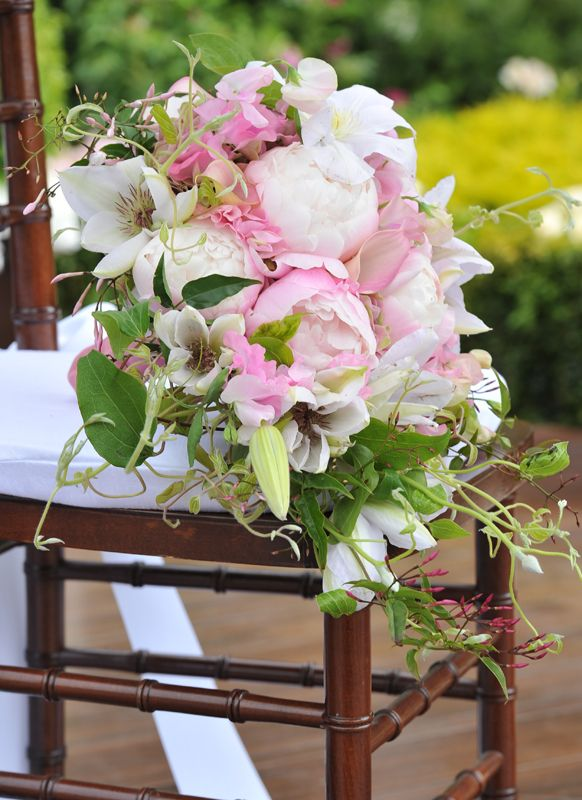 what an absolutely gorgeous bouquet for a summer wedding from Preston Bailey.