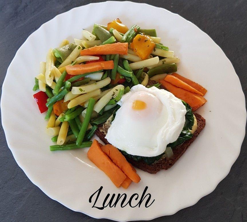 🍃ce midi dans mon assiette🍃 🥗oeuf mollet sur toast de pain de seigle et lit d'épinards 🥗mélange de légumes a la vapeur 🥘patate douce . Et vous ce midi❔ . ➖ ➖ ➖ ➖ ➖ ➖ ➖ ➖ ➖ ➖ ➖ @https://www.facebook.com/julyfithbc/ 🔹MON BLOG : www.july-fit-hbc.com