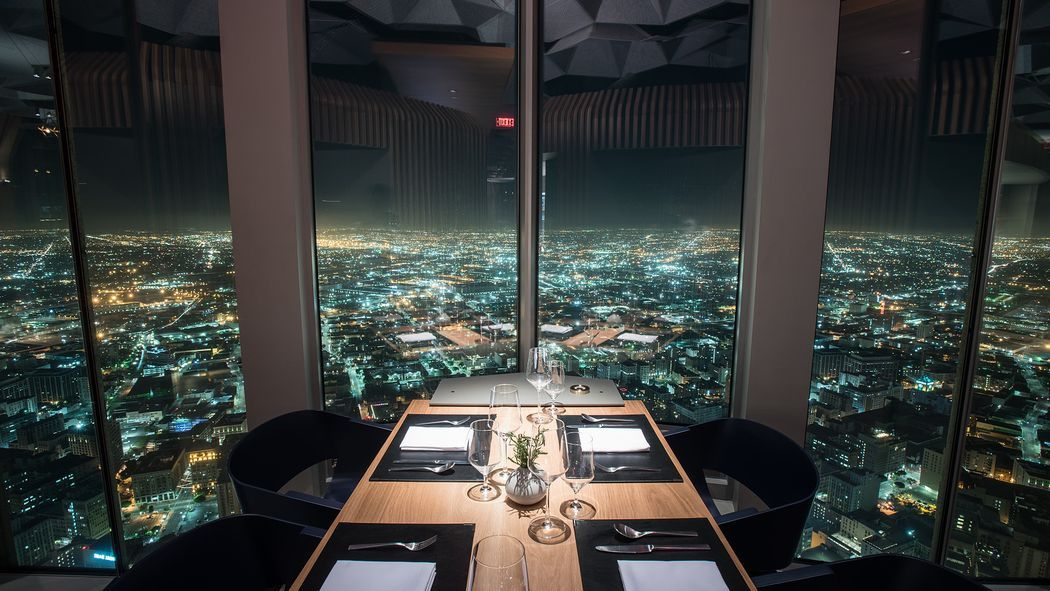 20 Restaurants With Amazing Views In Los Angeles Los Angeles Bars Los Angeles Restaurants Los Angeles Nightlife