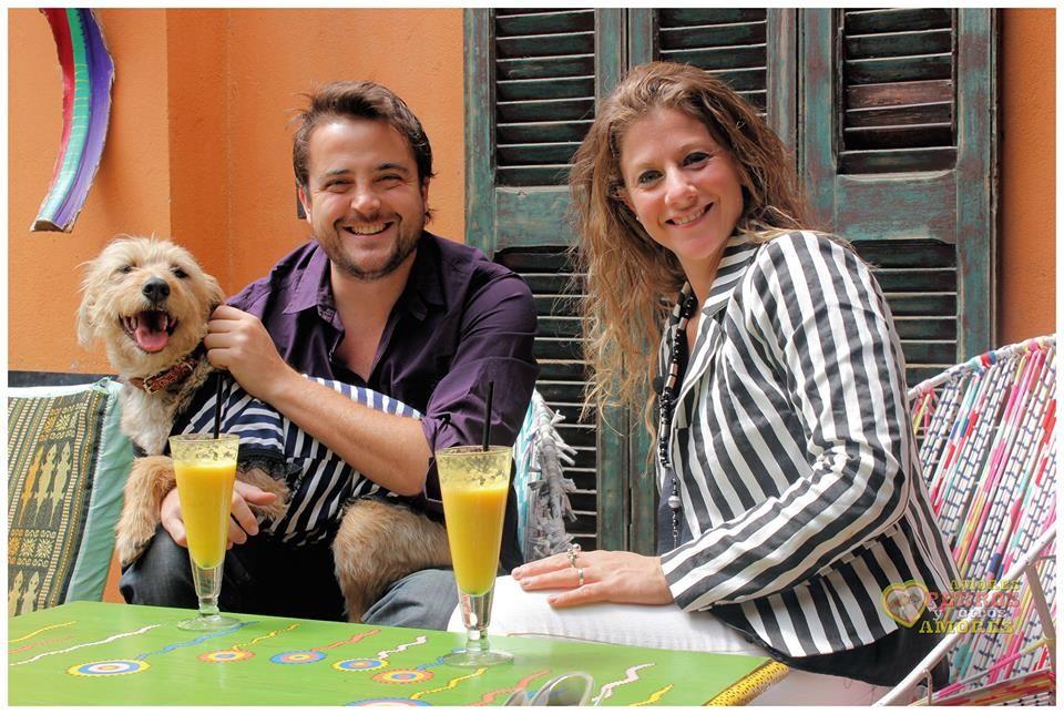 """Barks viste a la presentadora canina """"Kokita"""". Programa de TV """"Amores perros y otros amores"""" Canal 10 Cordoba  Domingo 20 de octubre 2013"""