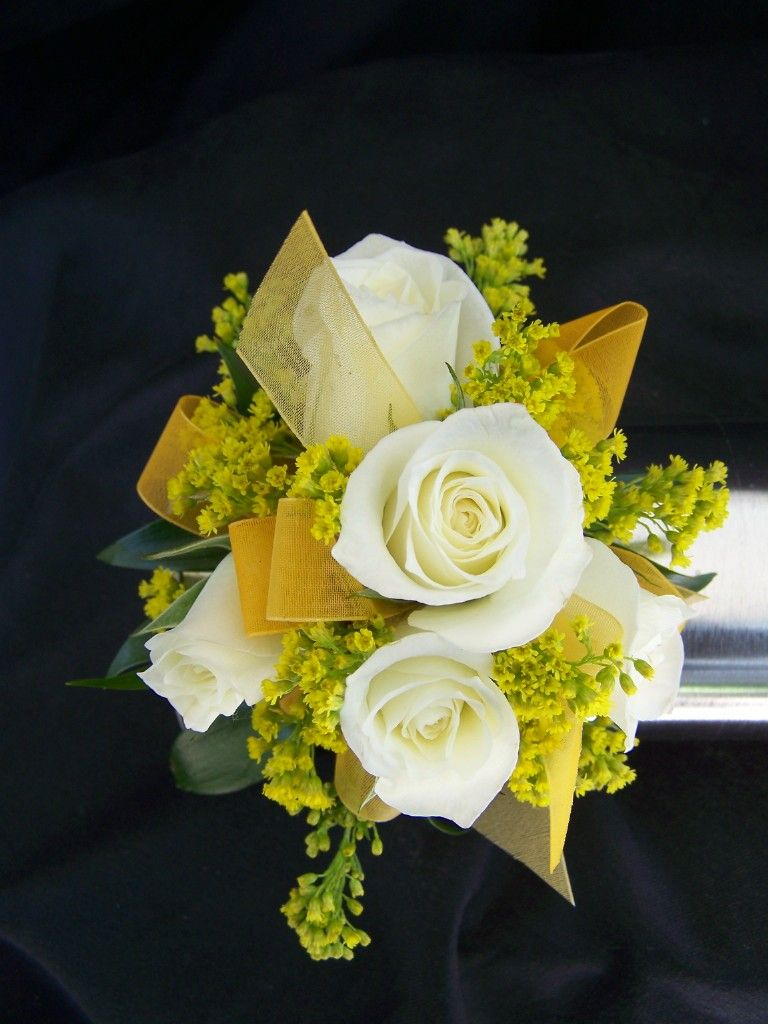 Love The Ribbon Intermingled With The Accent Yellow Flowers Floral