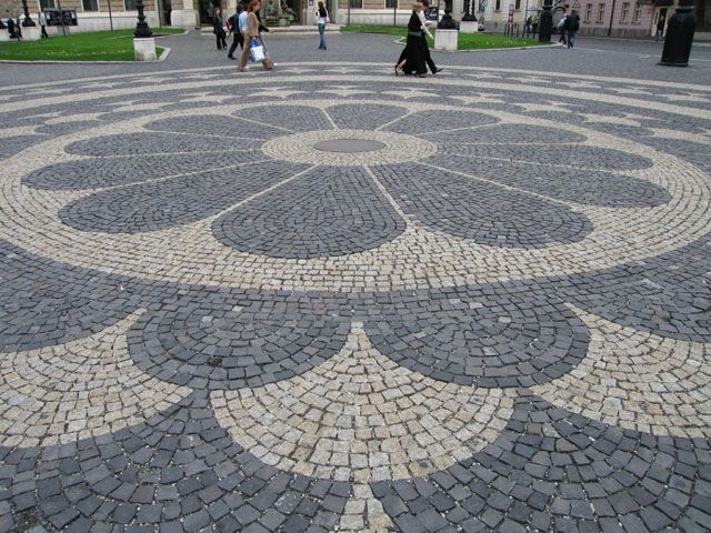 Cobble Stone Mosaics : Cobblestone flooring pinterest pebble mosaic