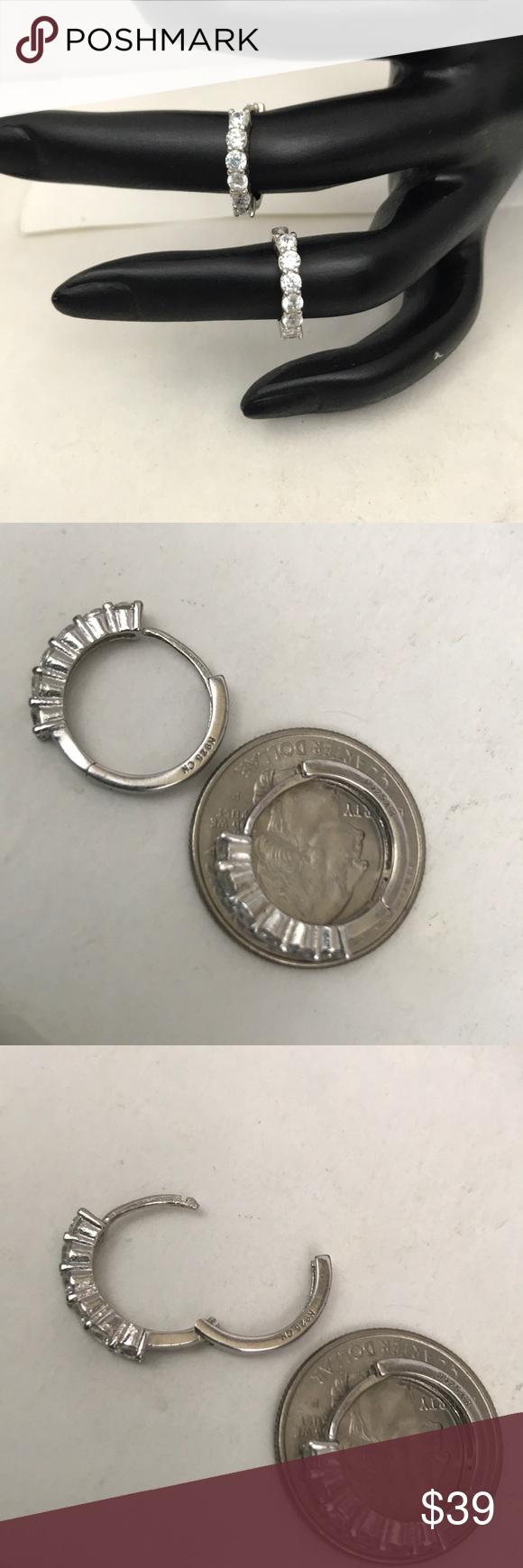 Elegant sterling silver & CZ earrings Stamped N 925 cn  6 stones