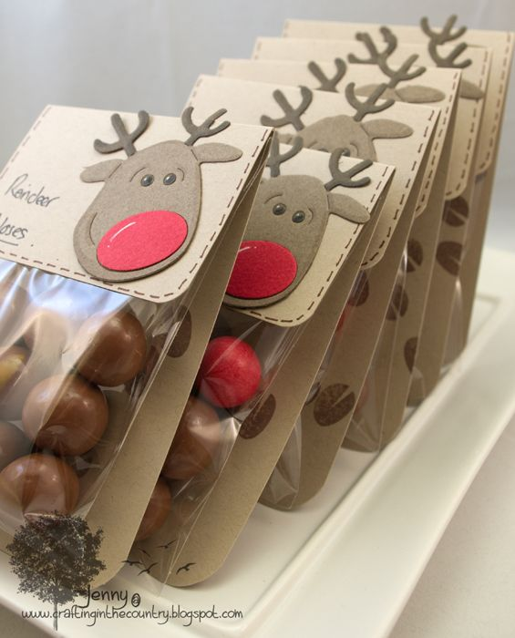 Reindeer nose gift bags using maltesers and jaffas - Detalles de navidad manualidades ...