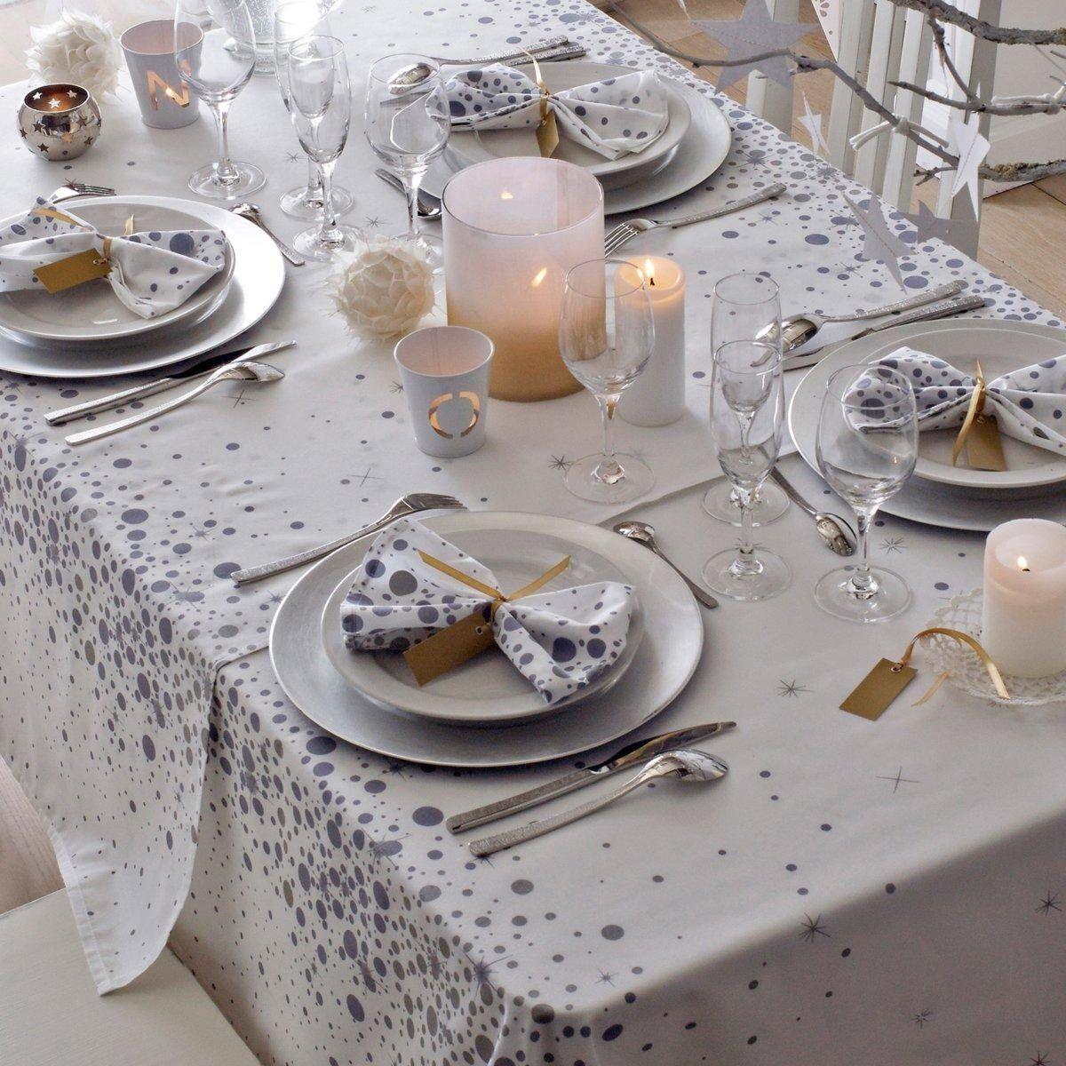 tables de f tes 12 id es de d co pour une table de no l f rique femmes. Black Bedroom Furniture Sets. Home Design Ideas