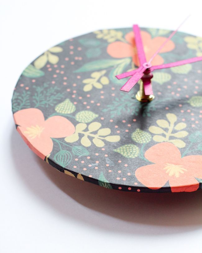 DIY: Wrapping paper clock