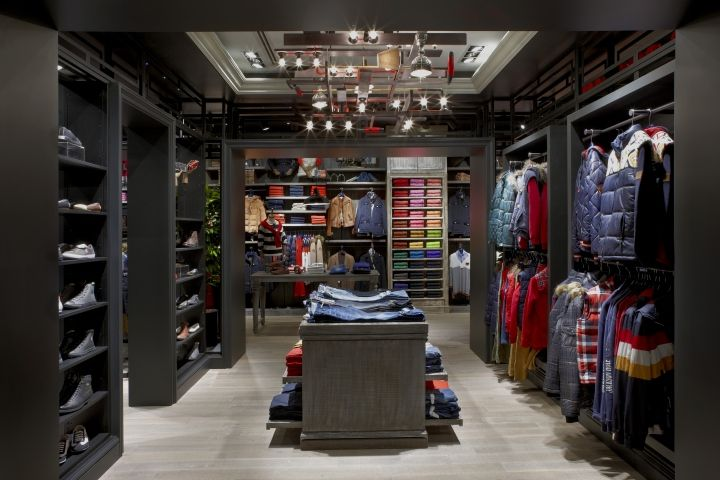 U s polo assn store by geomim istanbul turkey good inspiration for a walk in closet - Polo garage turkiye online shop ...