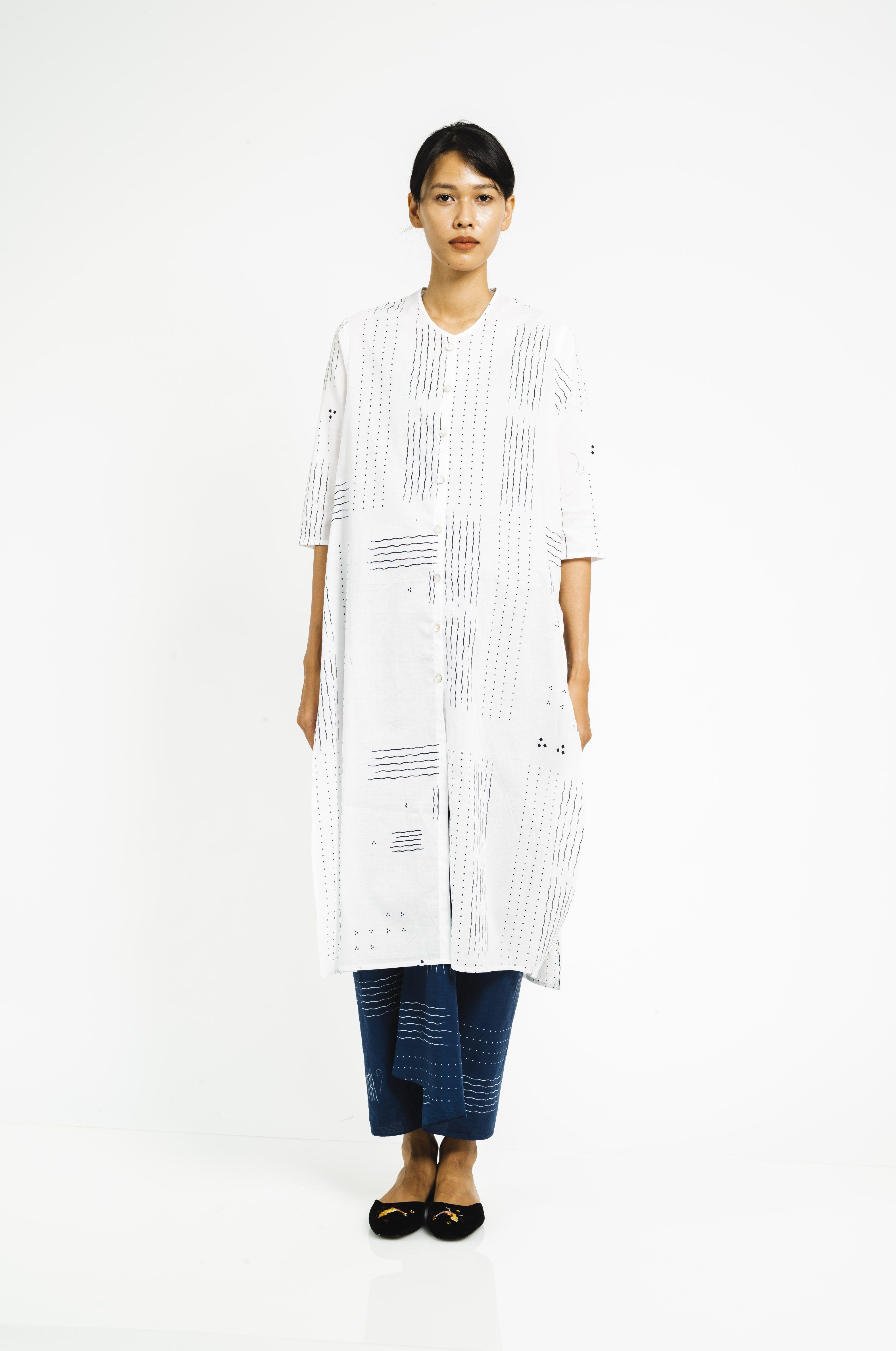 Baju Panjang Ombak Laut Putih In 2020 Women Wear Shape Form Kebaya