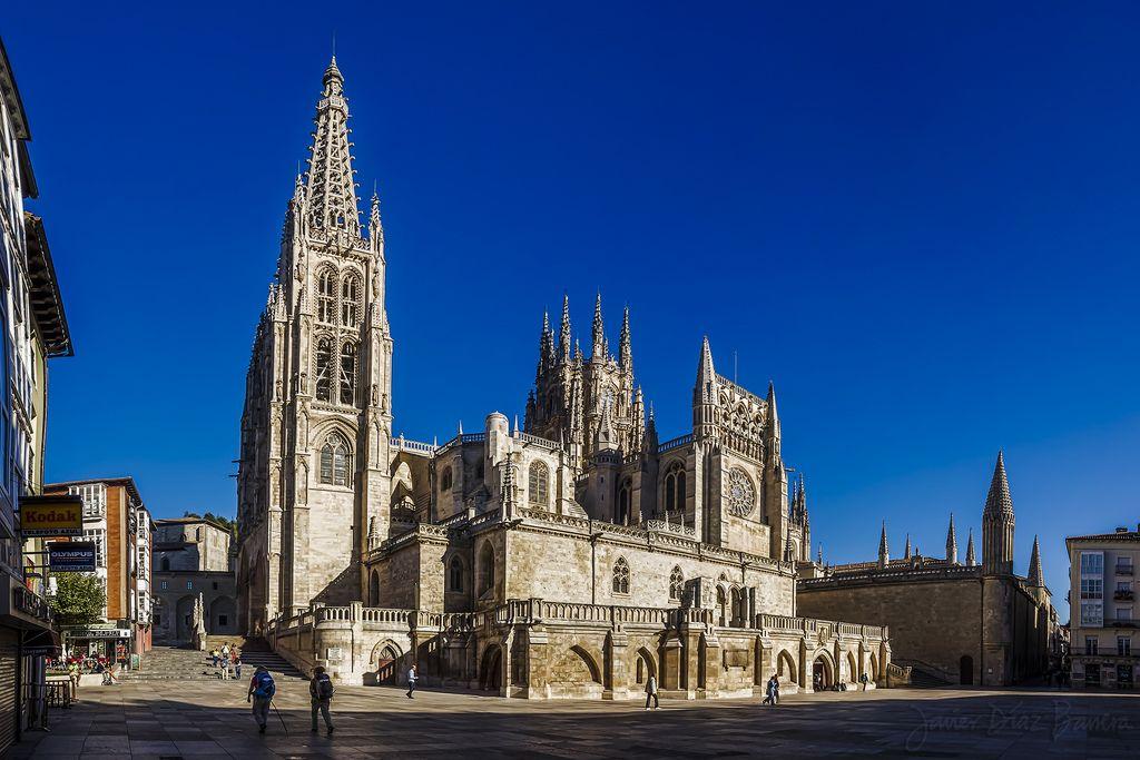 """Catedral de Burgos. Entrada """"El arte gótico"""" (05-06-16), en el blog """"Individuo-Sociedad-Cultura-Espacio"""". Enlace: http://cienciashumanasysociales.blogspot.com.es/2016/06/el-arte-gotico.html"""