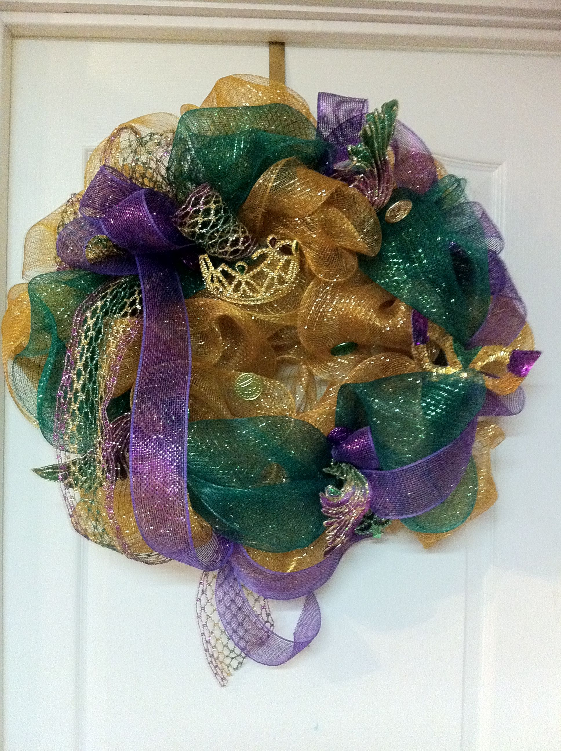 Deco Mesh wreath for Mardi Gras