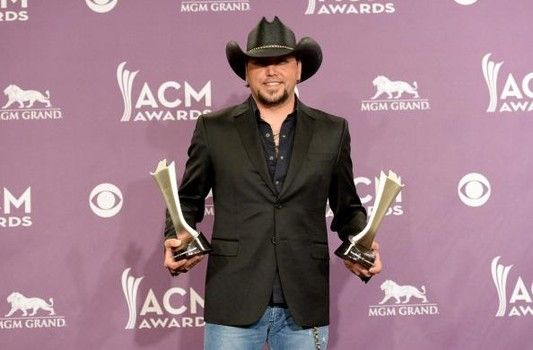 Jason Aldean Jokes Acms Should Rename Award After Him Jason Aldean Country Music Awards Academy Of Country Music