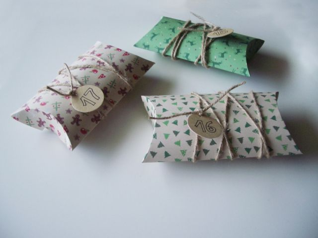 Pillow Box Basteln adventskalender zum basteln kissenschachtel bastelanleitung