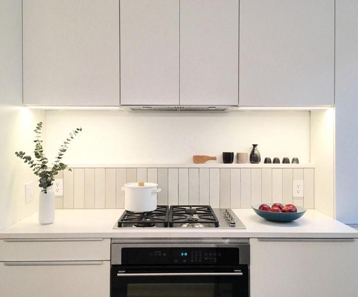 Heath Mid Century White 85409925f94369754c05fe777afbade0 Ceramics Tile Nordic Kitchen
