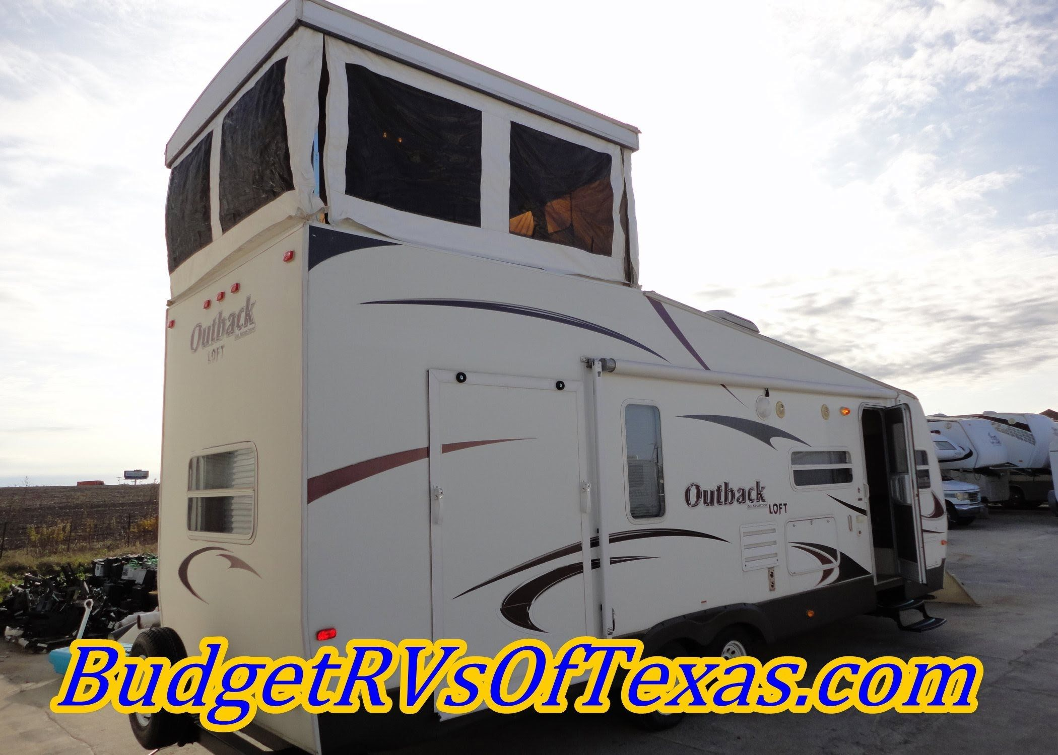 2009 Outback Loft 27t A Full Two Story Bumper Pull Toy