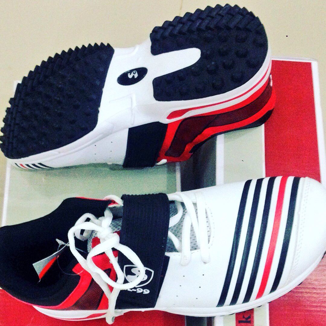 ️Stock Available 👟 SG Cricket Griper shoe 💻www.Facebook