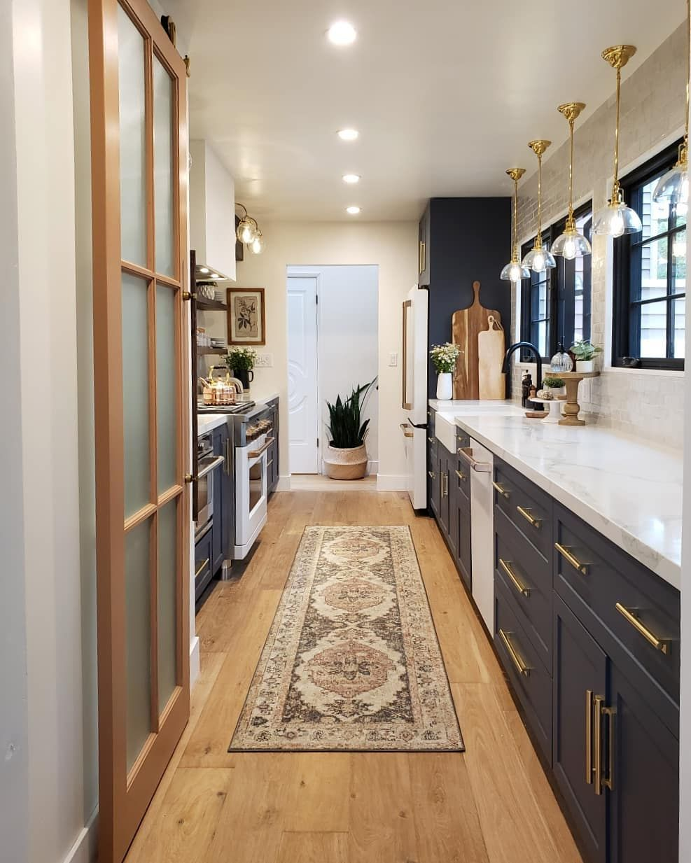 11 Beautiful Galley Kitchen Design Ideas Galley kitchen
