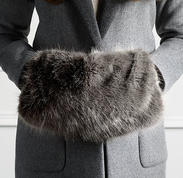 hand muff, fluffy faux fur luxury Beautiful,large,Vintage style,Black