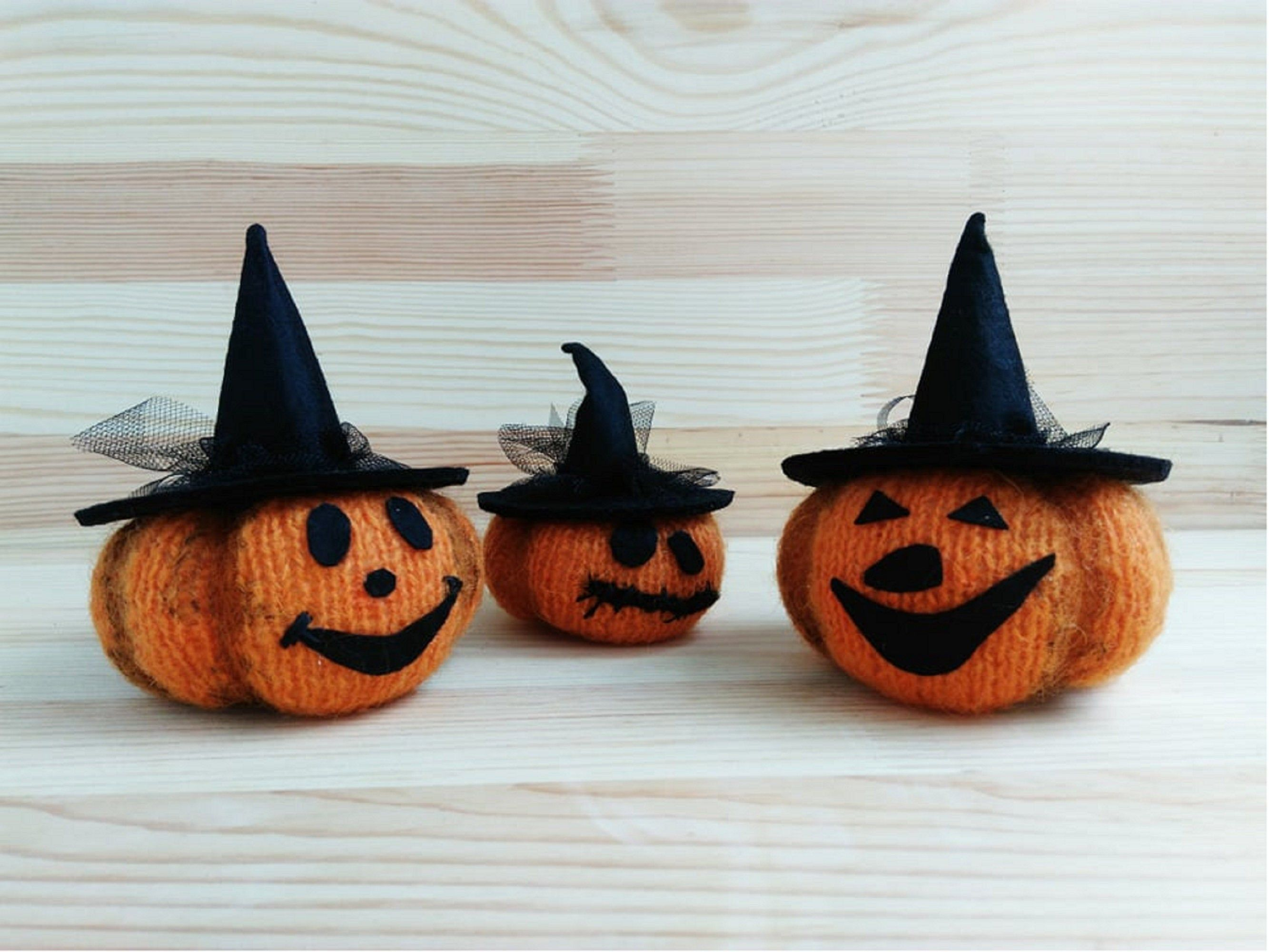 Small knitted halloween pumpkins for decor Set of 3