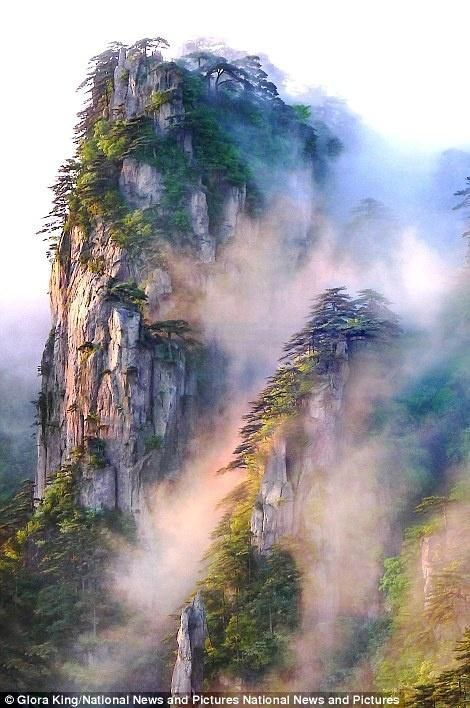 d7184561d Gloria King's Sunrise on Misty Mountains in China - credit to: pinterest .com/yangkook