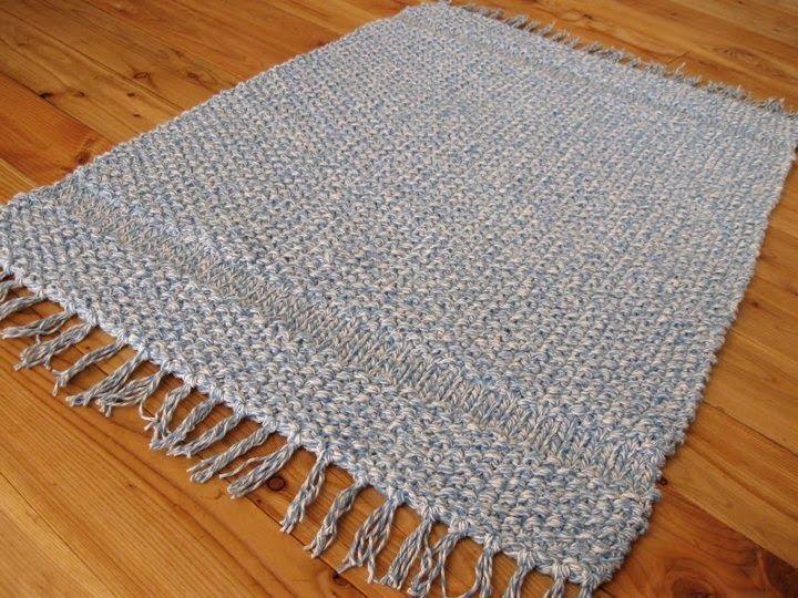 un tapis au tricot parfait pour ma salle de bain. Black Bedroom Furniture Sets. Home Design Ideas