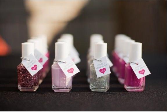 die besten 25 nagellack gef lligkeiten ideen auf pinterest baby nagellack babyparty. Black Bedroom Furniture Sets. Home Design Ideas