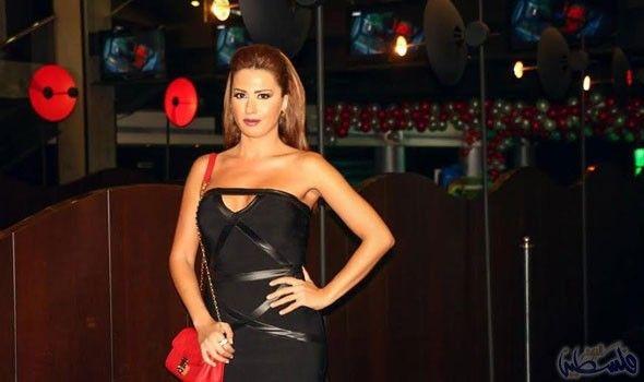 ميسون أبو أسعد تنتظر إذاعة Dresses Fashion Strapless Dress