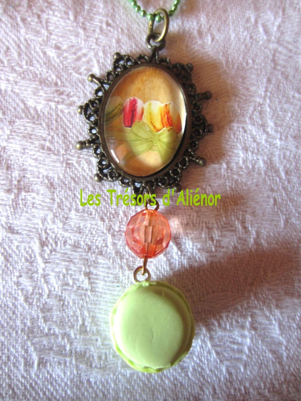 collier fantaisie vert anis