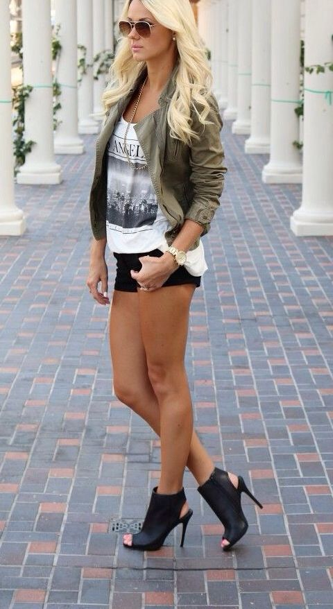 3b3e5040e70 I like the shirts and shoes but id wear black skinny jeans and not these  super short shorts!