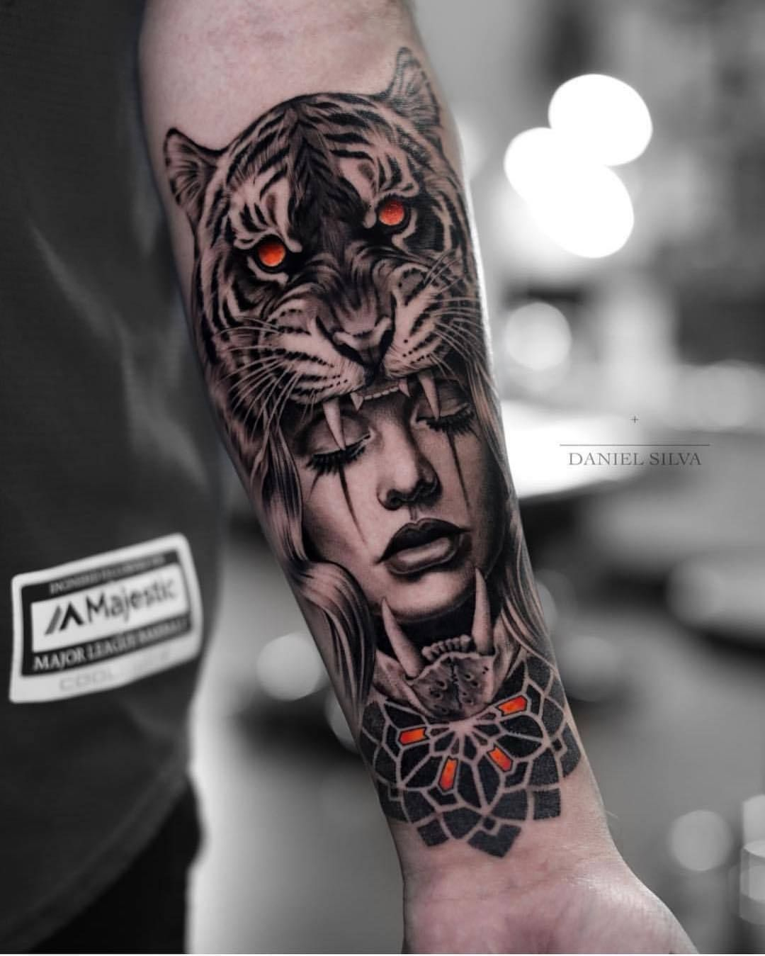 Daniel Silva Here's another amazing realistic tattoo by