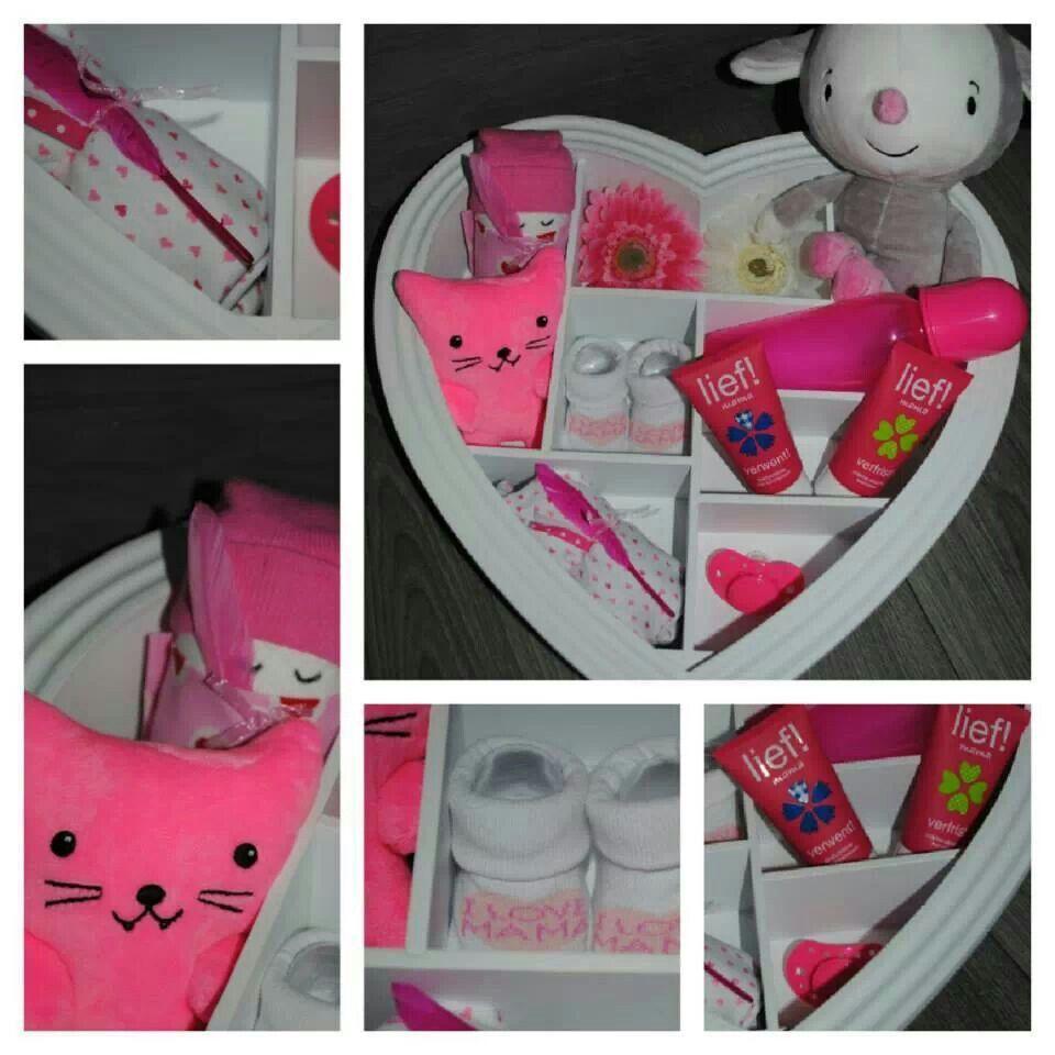 kraamcadeau letterbak presentjes pinterest cadeautjes babykaarten en geschenk. Black Bedroom Furniture Sets. Home Design Ideas