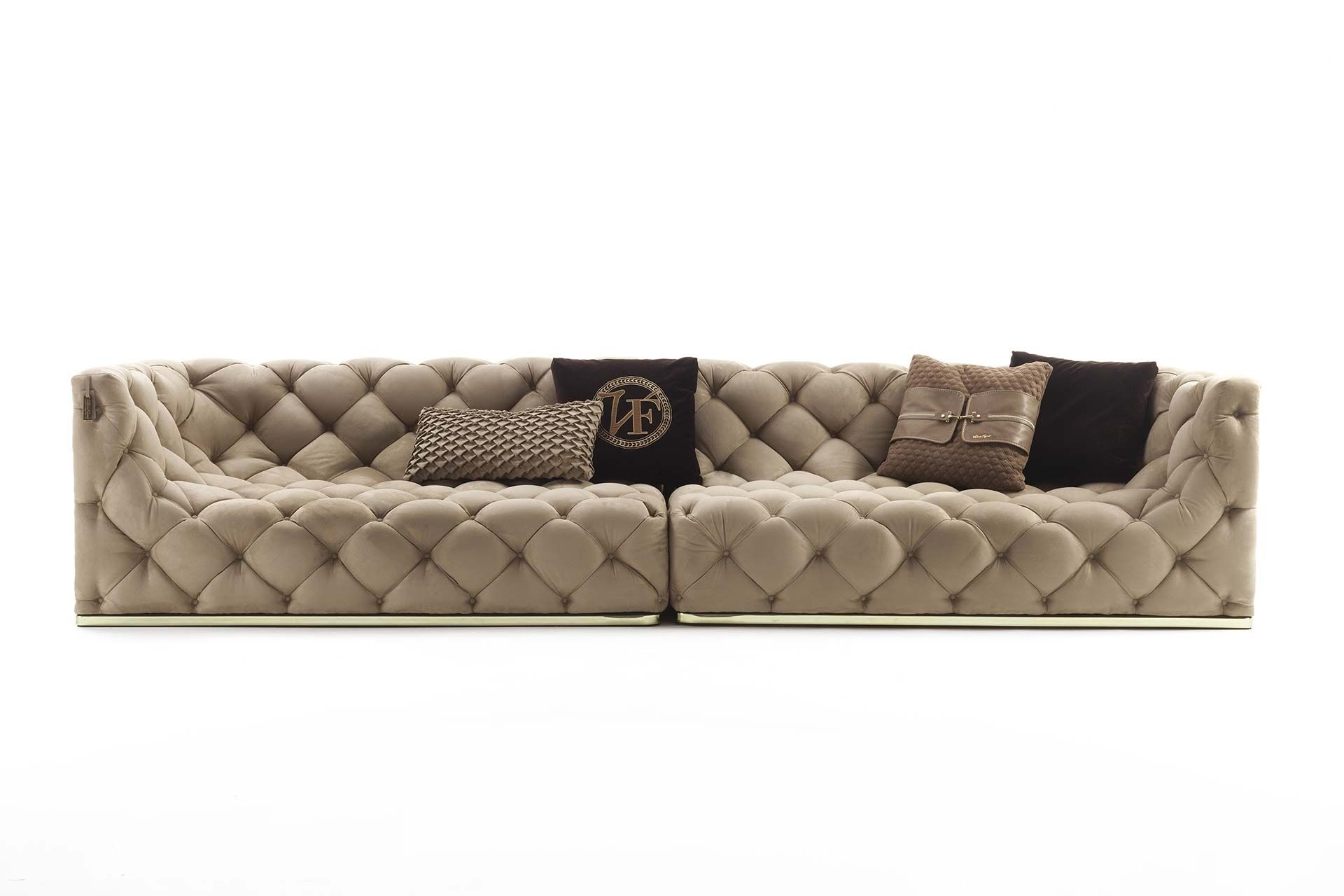 an example of all round button tufted upholstery a finely original rh pinterest com
