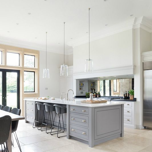 Family Kitchen Design Ideas For Cooking And Entertaining: Luxury Bespoke Family Kitchen, Ascot, Berkshire