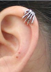 4 99 99 New Skeleton Hand Gothic Ear Cuff Silver Cartilage No