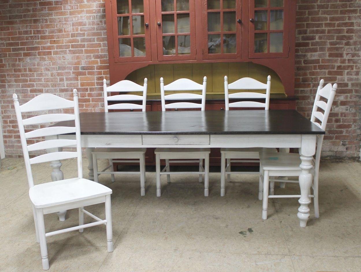 Farm Table Elegance with Reclaimed Wood Farmhouse table