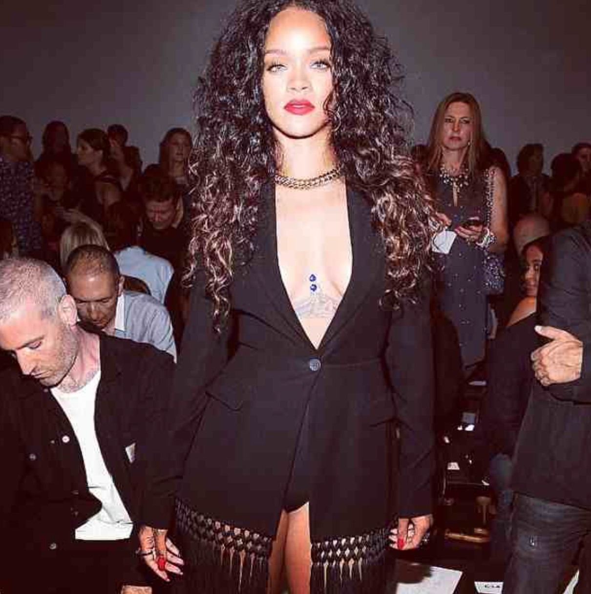 Rihanna looked AMAZING on the FROW at Altuzarra with her stylist Mel Ottenberg. She rocked an Altuzarra blazer and a red lip- we're obsessed! #LOOKatNYFW #NYFW #mbfw #SS15 #Rihanna