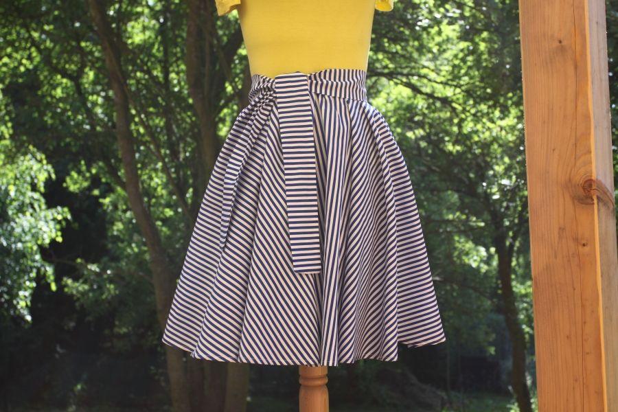 Kolová sukně na míru - PROUŽKATÁ i jiné varianty Sukně je ušita ze 100%  kvalitní af5869bcf2