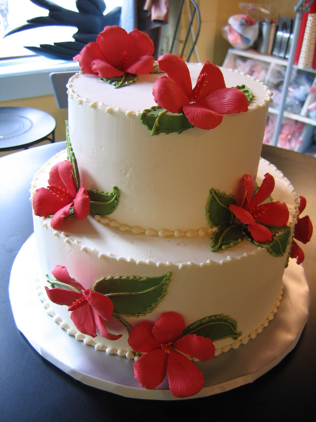 edible flowers and two tiers! magpies bakery
