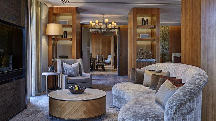 Opus suite in berkeley hotel london kidney shaped - London hotel suites with 2 bedrooms ...