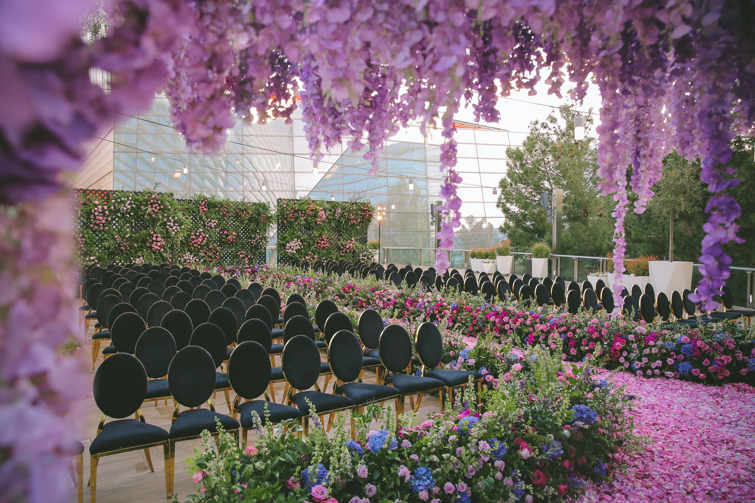 Luxury Outdoor Purple Wedding Ceremony In 2020 Las Vegas Wedding Planner Wedding Ceremony Setup Asian Inspired Wedding