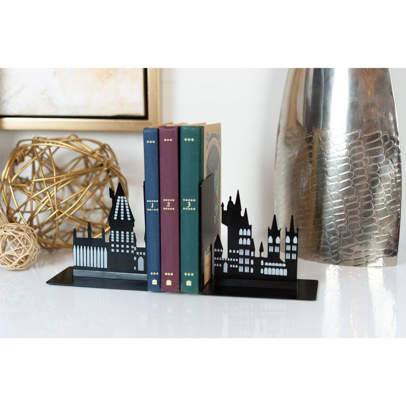 Seven20 Harry Potter Hogwarts Castle Metal Bookends For Harry Potter Books Collections Harry Potter Room Decor Harry Potter Bookends Harry Potter Hogwarts Castle