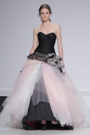Vestidos de novia rosa y negro