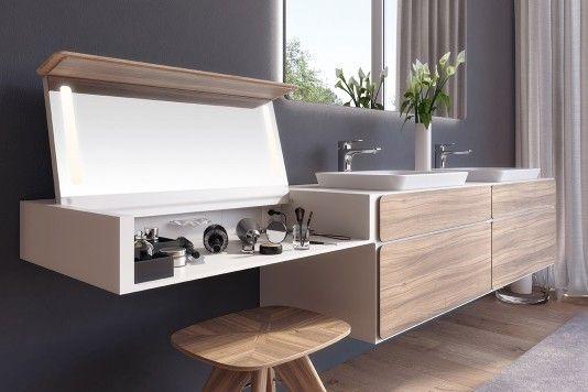 Zur Körperpflege im Bad gehört auch eine Schminkbar Der «Beauty - parkett für badezimmer
