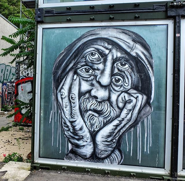 🙄😜🤓 Ich weiß gar nicht welches Auge ich angucken soll! Artist @pyramidoracle Shot #mrsmerlin007 #pyramidoracle #pyramid #oracle #berlin #streetart #street #streetartberlin #berlinstreetart #art #wall #wallart #wallporn #graffiti #graff #fun #funny #love #like4like #life #insta #instagood #i