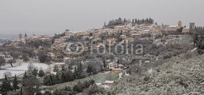 A view of Spello with snow! #Spello #Winter #Tourism #Snow #Card #Snowy #Weather #Village #Umbria #Italy #Europe