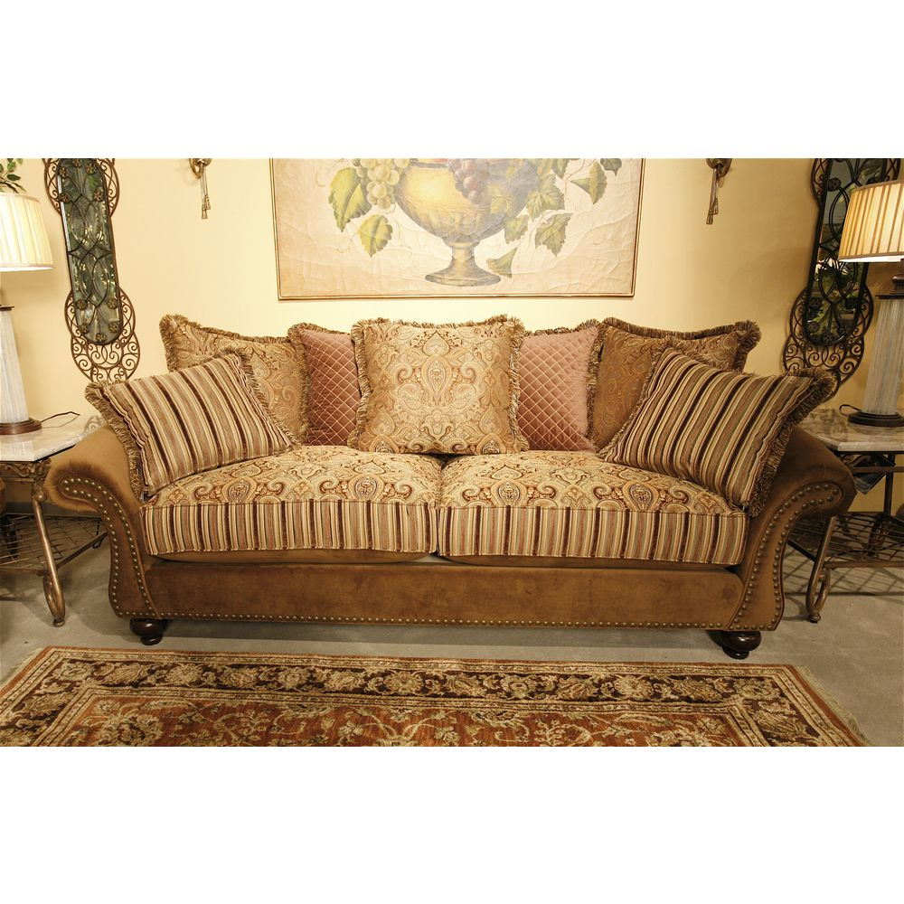 Best Traditional Styling With Tons Of Flair Makes This Bella 400 x 300