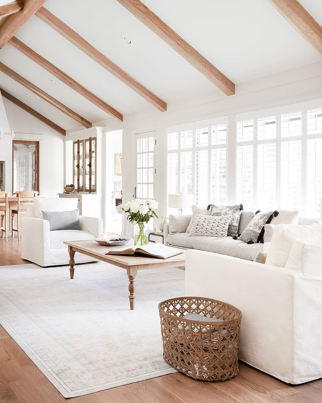 Homebody On Instagram Old Or Classic This Design Without A Doubt Has A Much More Rustic Vintage In 2020 Living Room Table Sets French Country Family Room Home